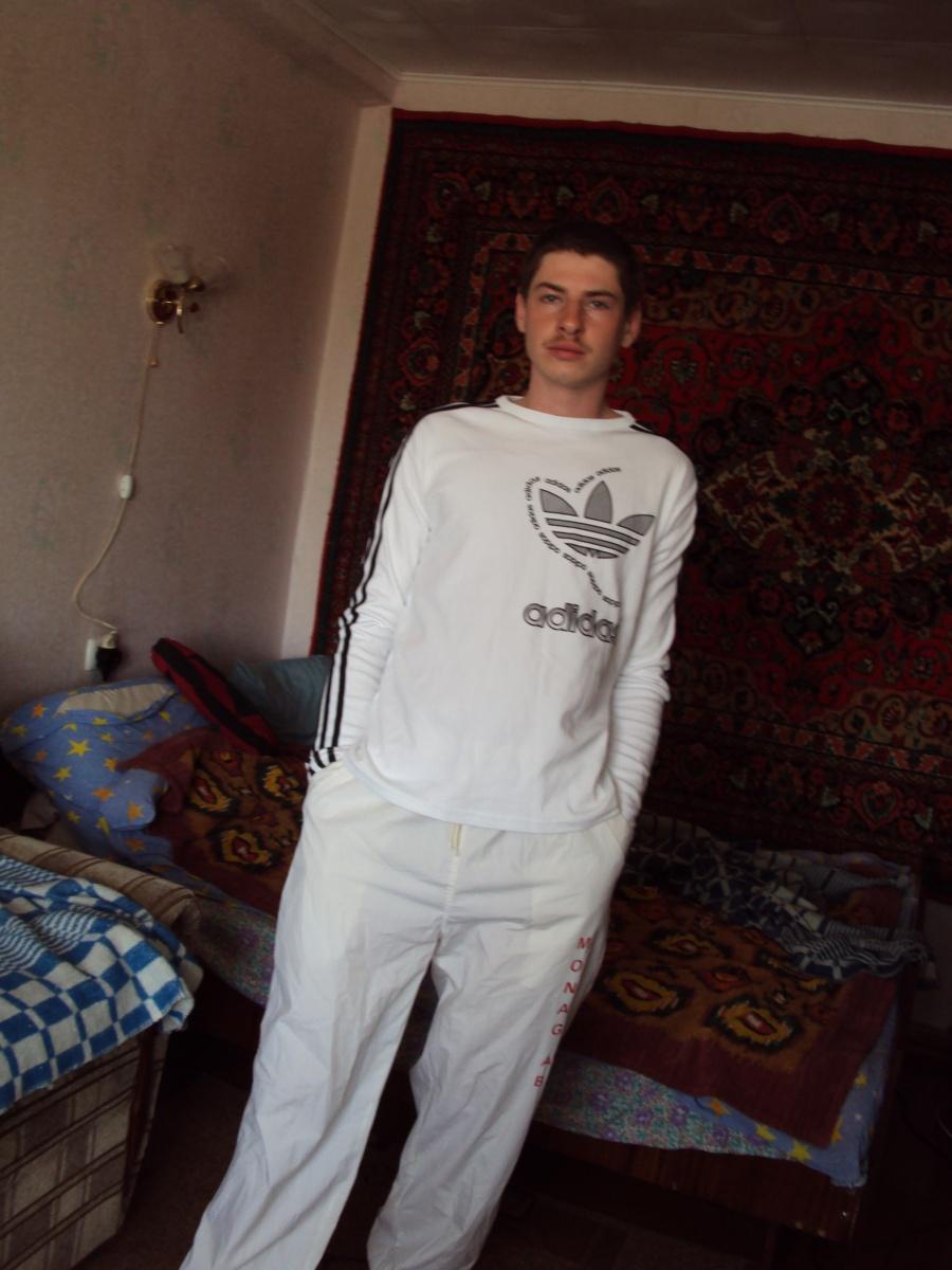 besplatno-znakomstva-dlya-geev-saratov